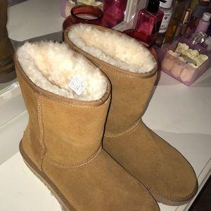UGG koolaburra boots women's